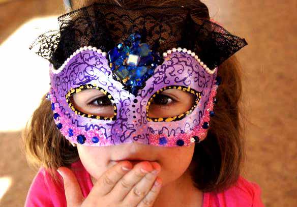 Мастер-класс по росписи венецианских карнавальных масок