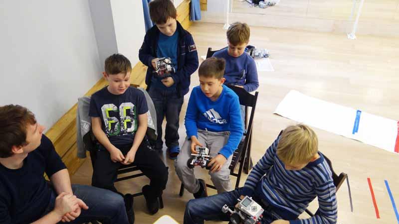 на занятиях по робототехнике Мытищи, 2017 г