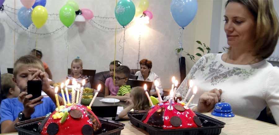 Зажигаем свечи на дне рорждения ребенка
